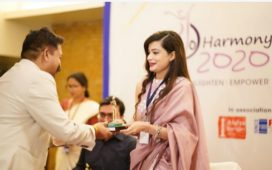 Dr Lita Mohapatra being felicitated at an event as Top Inspiring Business Women