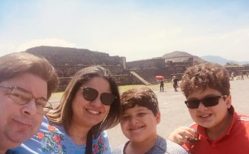 Ambassador Castellanos and his family (Credit: Ambassador Castellanos)